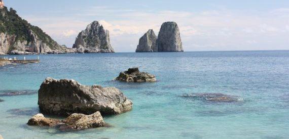 la leggenda dei Faraglioni di Capri