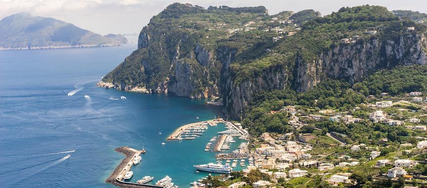 traghetti Napoli Capri quanto costano: prezzi andata e ritorno
